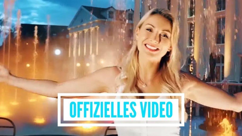 """Anna Carina Woitschack – """"Leuchtturm"""" Video jetzt online"""